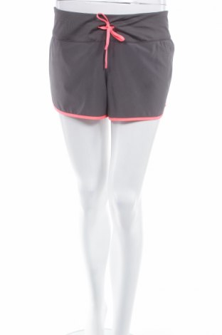 Γυναικείο κοντό παντελόνι H&M Sport