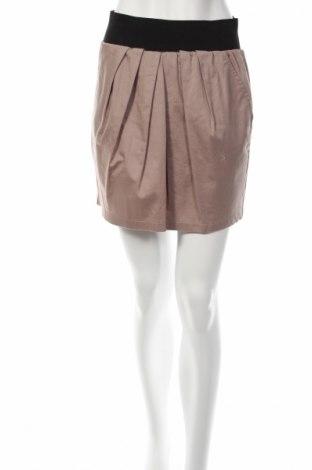 Пола Vero Moda, Размер M, Цвят Бежов, 96% памук, 4% еластан, Цена 4,84лв.