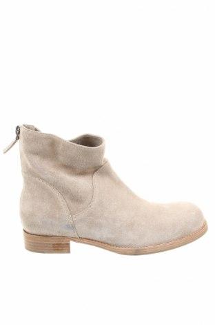 Dámské topánky  Windsor.