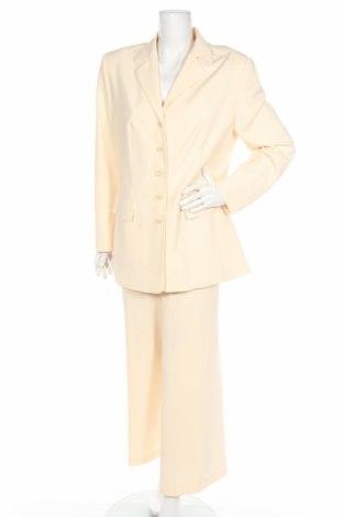 Дамски костюм CC Collection