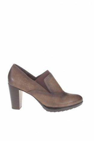 Γυναικεία παπούτσια Bata