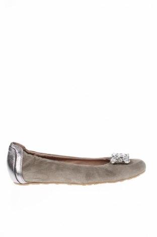 Γυναικεία παπούτσια Karino