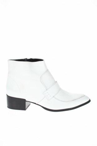 Γυναικεία παπούτσια Next