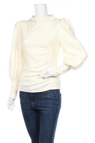 Дамска блуза Gestuz, Размер S, Цвят Екрю, 94% вискоза, 6% еластан, Цена 53,36лв.
