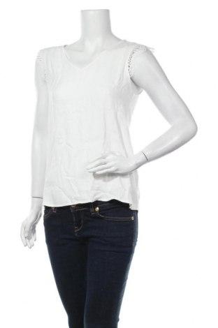 Дамска блуза S.Oliver, Размер XS, Цвят Бял, 92% вискоза, 8% еластан, Цена 12,25лв.