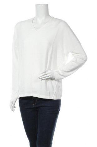 Дамска блуза Someday., Размер M, Цвят Бял, 95% вискоза, 5% еластан, Цена 29,50лв.