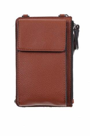 Дамска чанта S.Oliver, Цвят Кафяв, Еко кожа, Цена 36,00лв.