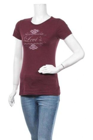 Дамска тениска Levi's, Размер S, Цвят Червен, 55% памук, 45% полиестер, Цена 15,70лв.