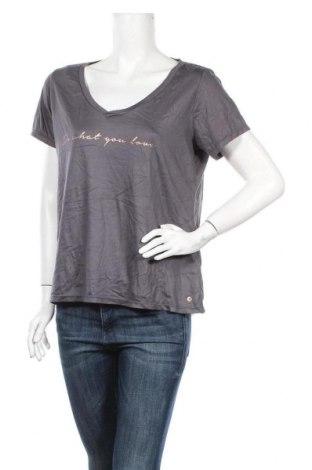 Дамска тениска Tchibo, Размер M, Цвят Сив, 67% полиестер, 33% вискоза, Цена 6,30лв.