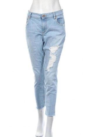 Дамски дънки ASOS, Размер XL, Цвят Син, 98% памук, 2% еластан, Цена 38,90лв.