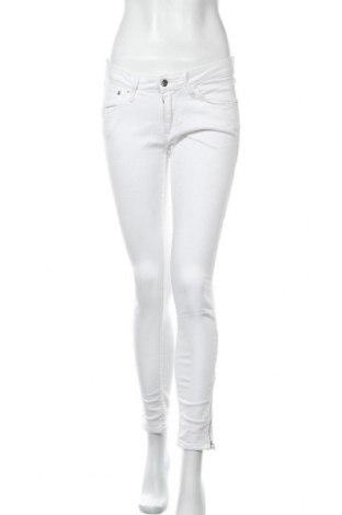 Дамски дънки H&M, Размер M, Цвят Бял, 99% памук, 1% еластан, Цена 22,31лв.