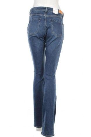 Дамски дънки S.Oliver, Размер M, Цвят Син, 86% памук, 12% полиестер, 2% еластан, Цена 33,60лв.