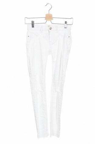 Дамски дънки Tally Weijl, Размер XS, Цвят Бял, 98% памук, 2% еластан, Цена 27,30лв.