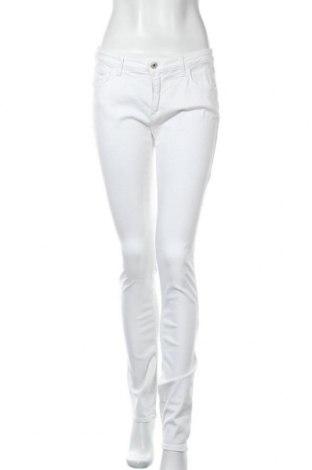 Дамски дънки Trussardi Jeans, Размер L, Цвят Бял, 53% лиосел, 17% вискоза, 15% памук, 14% полиестер, 1% еластан, Цена 67,64лв.