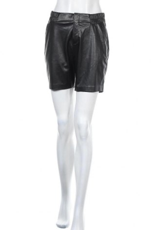 Дамски къс кожен панталон Comma,, Размер S, Цвят Черен, Еко кожа, Цена 47,60лв.