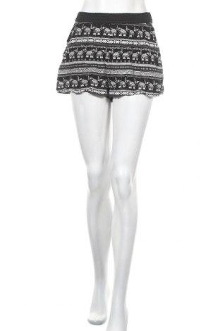 Γυναικείο κοντό παντελόνι H&M, Μέγεθος M, Χρώμα Μαύρο, Βισκόζη, Τιμή 3,41€