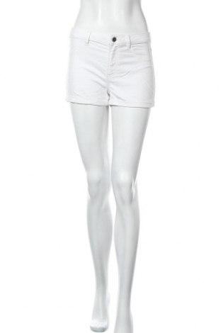 Γυναικείο κοντό παντελόνι H&M Divided, Μέγεθος S, Χρώμα Λευκό, 60% βαμβάκι, 35% πολυεστέρας, 5% ελαστάνη, Τιμή 8,31€
