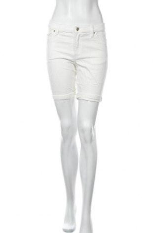 Дамски къс панталон H&M L.O.G.G., Размер M, Цвят Бял, 98% памук, 2% еластан, Цена 18,90лв.
