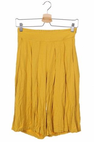 Γυναικείο κοντό παντελόνι Mango, Μέγεθος XS, Χρώμα Κίτρινο, 100% βισκόζη, Τιμή 10,82€