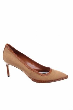 Дамски обувки Manolo Blahnik, Размер 37, Цвят Кафяв, Текстил, естествена кожа, Цена 524,17лв.