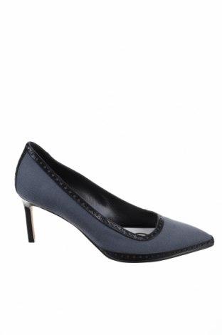 Дамски обувки Manolo Blahnik, Размер 37, Цвят Син, Текстил, естествена кожа, Цена 696,75лв.