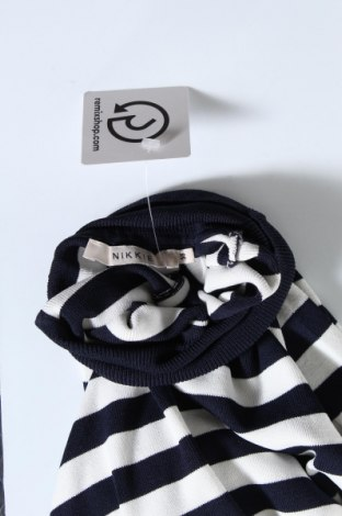 Дамски пуловер Nikkie, Размер M, Цвят Син, 67% вискоза, 33% полиамид, Цена 49,02лв.