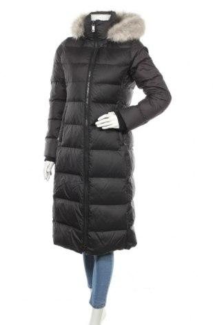 Γυναικείο μπουφάν Tommy Hilfiger, Μέγεθος S, Χρώμα Μαύρο, Πολυεστέρας, φτερά και πούπουλα, Τιμή 205,67€