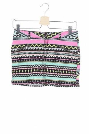 Детска пола H&M, Размер 12-13y/ 158-164 см, Цвят Многоцветен, 98% памук, 2% еластан, Цена 5,38лв.