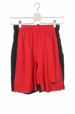 Παιδικό κοντό παντελόνι Nike, Μέγεθος 9-10y/ 140-146 εκ., Χρώμα Κόκκινο, Πολυεστέρας, Τιμή 14,81€