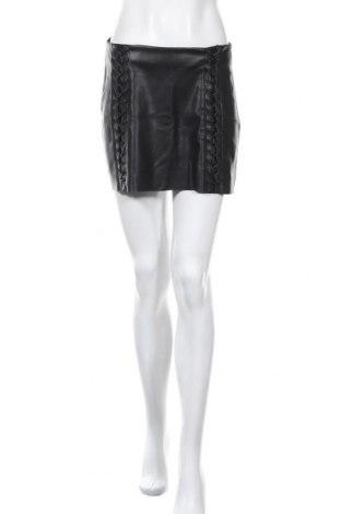 Кожена пола Zara Trafaluc, Размер M, Цвят Черен, Еко кожа, Цена 9,47лв.