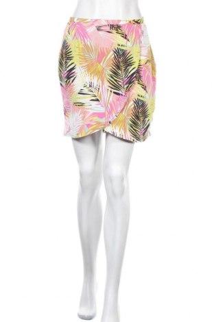 Пола H&M, Размер S, Цвят Многоцветен, Вискоза, Цена 3,61лв.