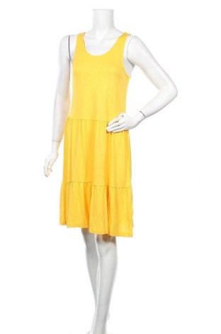 Рокля ONLY, Размер M, Цвят Жълт, Вискоза, Цена 32,86лв.