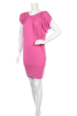Рокля Tout Feu Tout Femme, Размер M, Цвят Розов, 90% вискоза, 10% еластан, Цена 12,60лв.