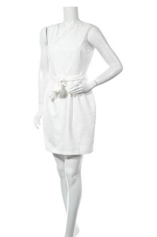 Рокля Trendyol, Размер M, Цвят Бял, 97% полиестер, 3% еластан, Цена 24,08лв.