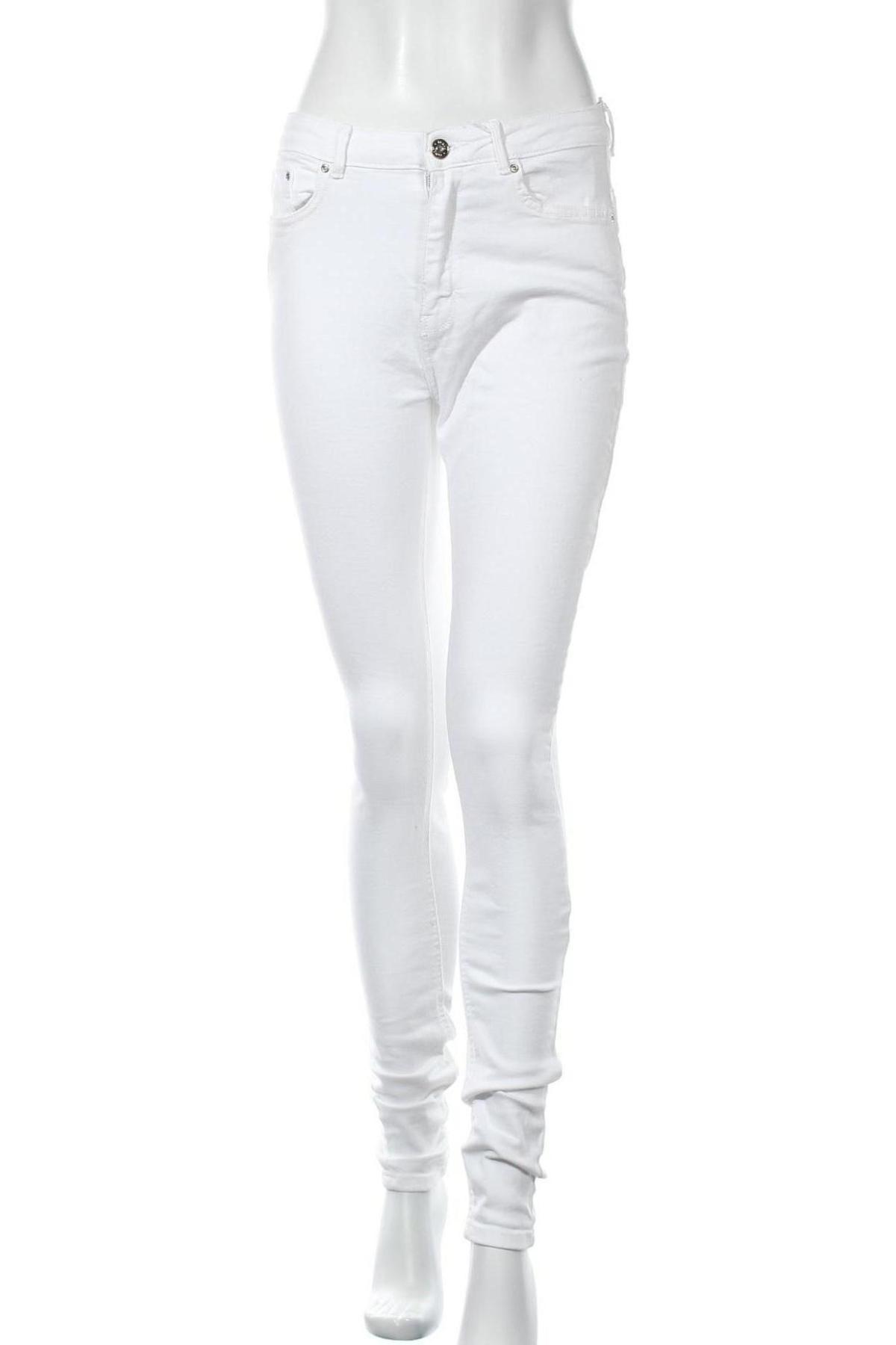 Дамски дънки ONLY, Размер M, Цвят Бял, 98% памук, 2% еластан, Цена 21,84лв.