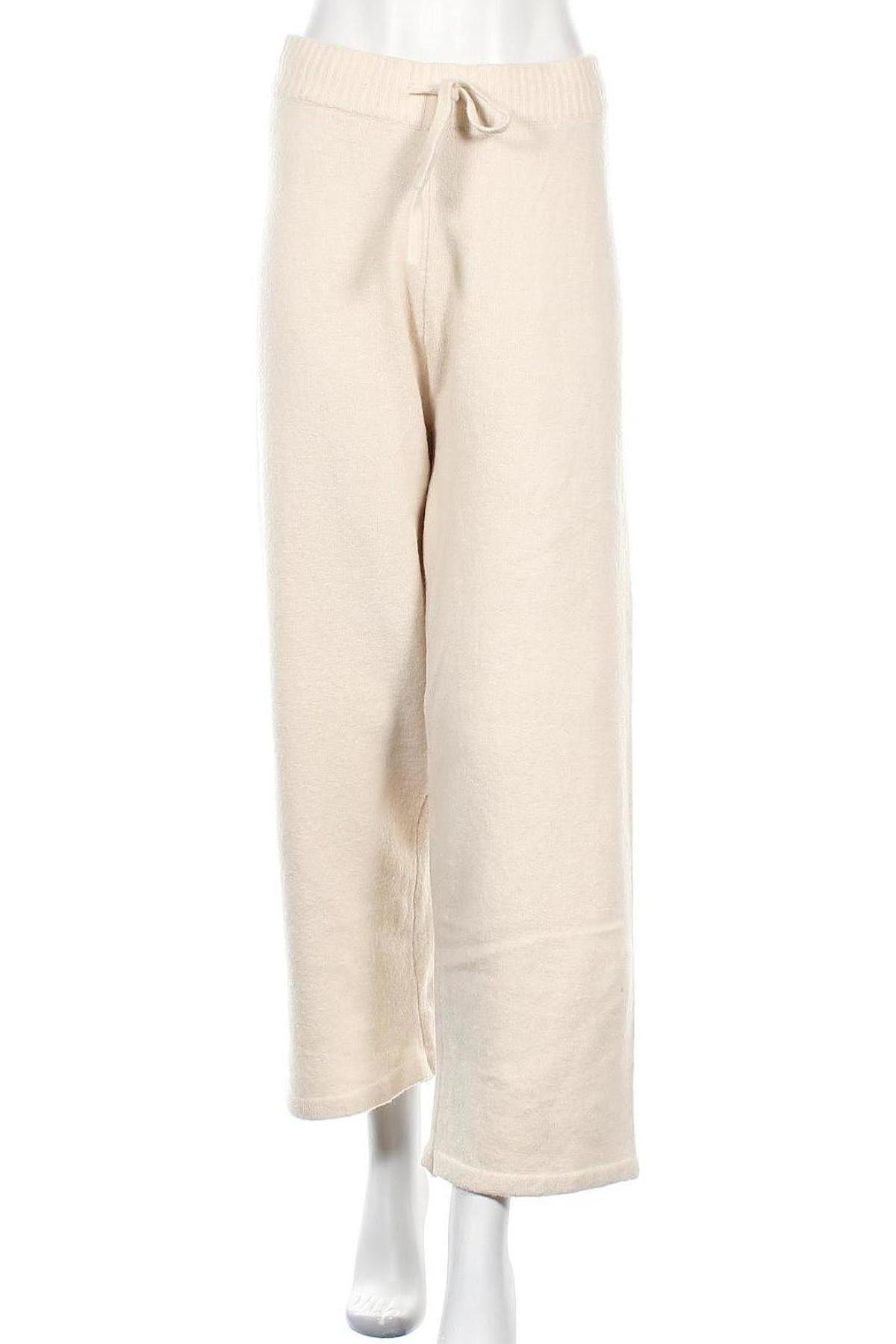 Дамски панталон Monki, Размер M, Цвят Бежов, 53% полиестер, 37% акрил, 5% вълна, 5% еластан, Цена 24,32лв.