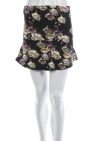Пола Vero Moda, Размер S, Цвят Черен, 93% памук, 7% еластан, Цена 4,59лв.