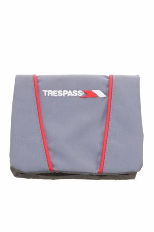 Portmoneu Trespass