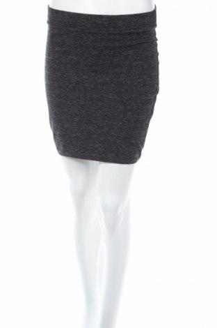 Пола H&M Divided, Размер S, Цвят Сив, 90% памук, 10% еластан, Цена 4,40лв.