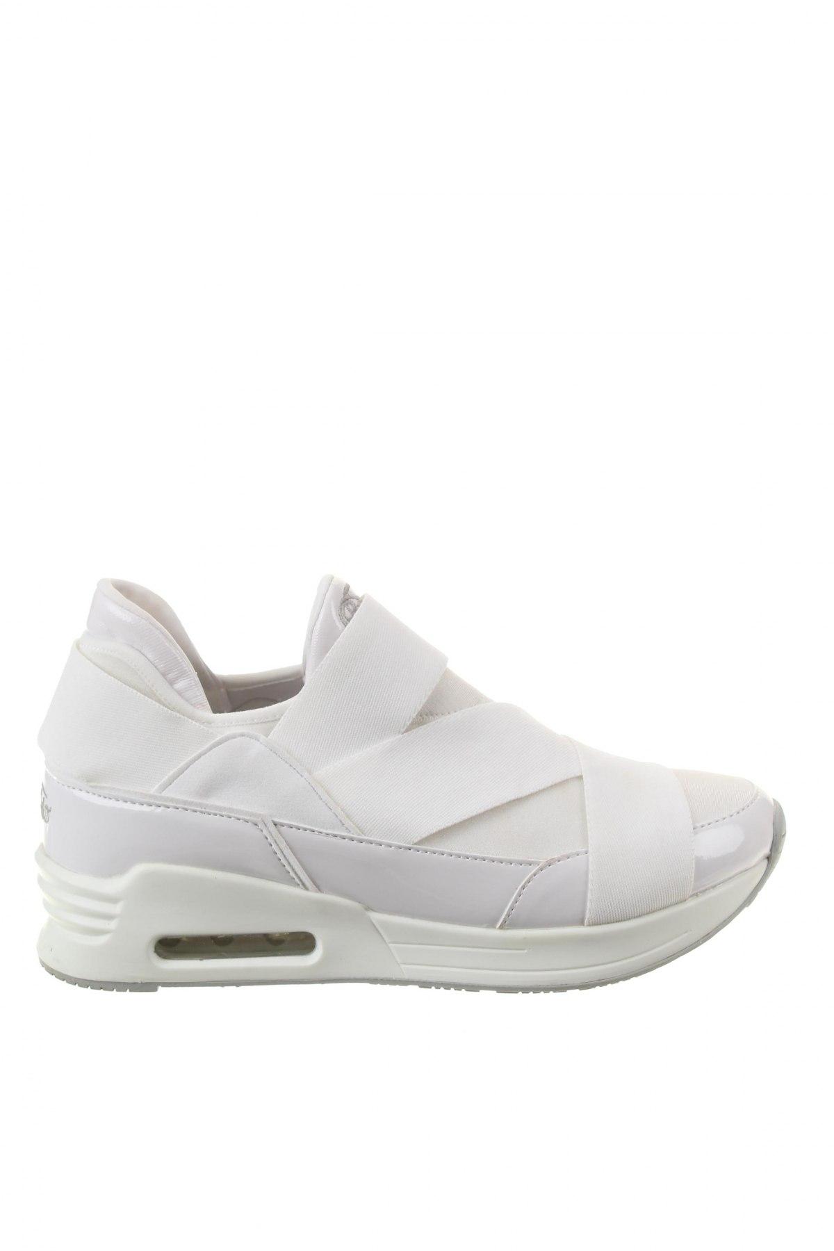 6eb8061e0235 Dámske topánky Buffalo - za výhodnú cenu na Remix -  104520795