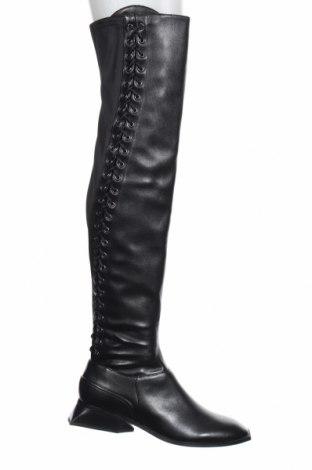 Дамски ботуши BCBG Max Azria, Размер 38, Цвят Черен, Естествена кожа, текстил, Цена 344,50лв.