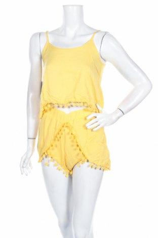 Дамски комплект Ax Paris, Размер XS, Цвят Жълт, Вискоза, Цена 26,40лв.