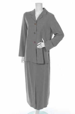 Γυναικείο κοστούμι Quelle