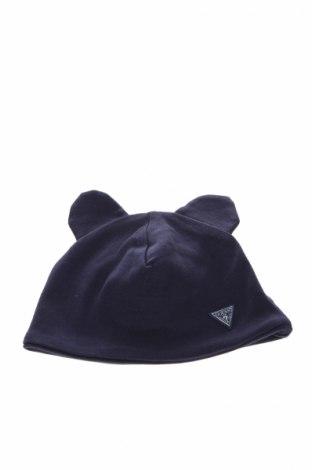 Детска шапка Guess