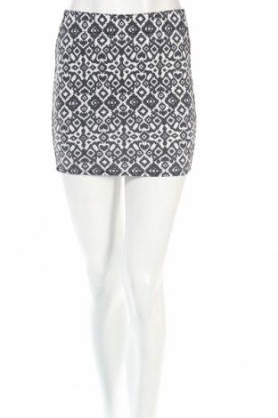 Пола H&M Divided, Размер XS, Цвят Бял, Цена 4,50лв.
