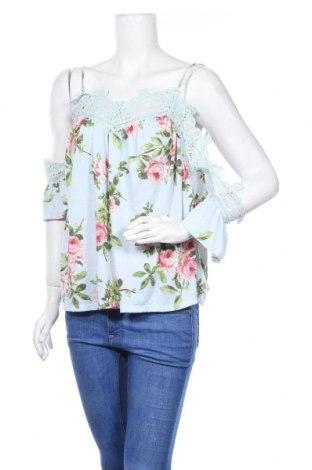 Дамска блуза Charlotte Russe, Размер L, Цвят Син, 96% полиестер, 4% еластан, Цена 11,76лв.