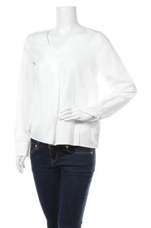 Дамска блуза Object, Размер L, Цвят Бял, 60% вискоза, 40% полиестер, Цена 29,50лв.