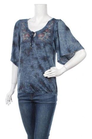 Дамска блуза One World, Размер S, Цвят Син, 57% вискоза, 38% полиестер, 5% еластан, Цена 4,20лв.