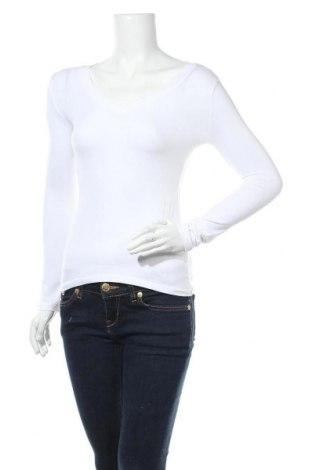 Дамска блуза Zenana Outfitters, Размер S, Цвят Бял, 60% памук, 35% полиестер, 5% еластан, Цена 9,19лв.