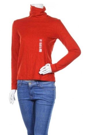 Дамско поларено поло Uniqlo, Размер S, Цвят Оранжев, 70% акрил, 30% вискоза, Цена 24,36лв.